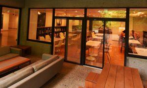 美術館内にある「カフェ・ヤマアラシ」